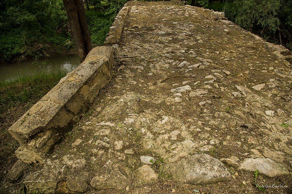 Le vieux pont romain de  Mouchan à rendu son tablier