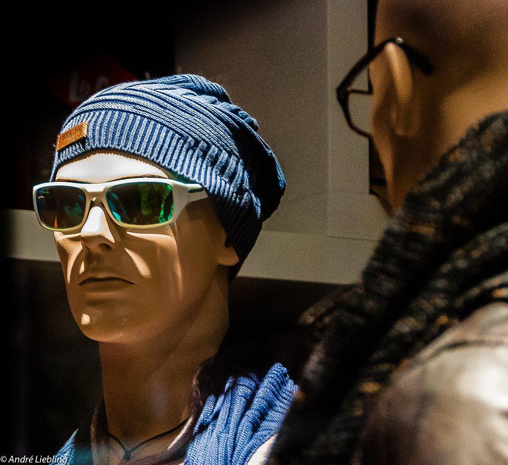 Humanoïdes à lunettes