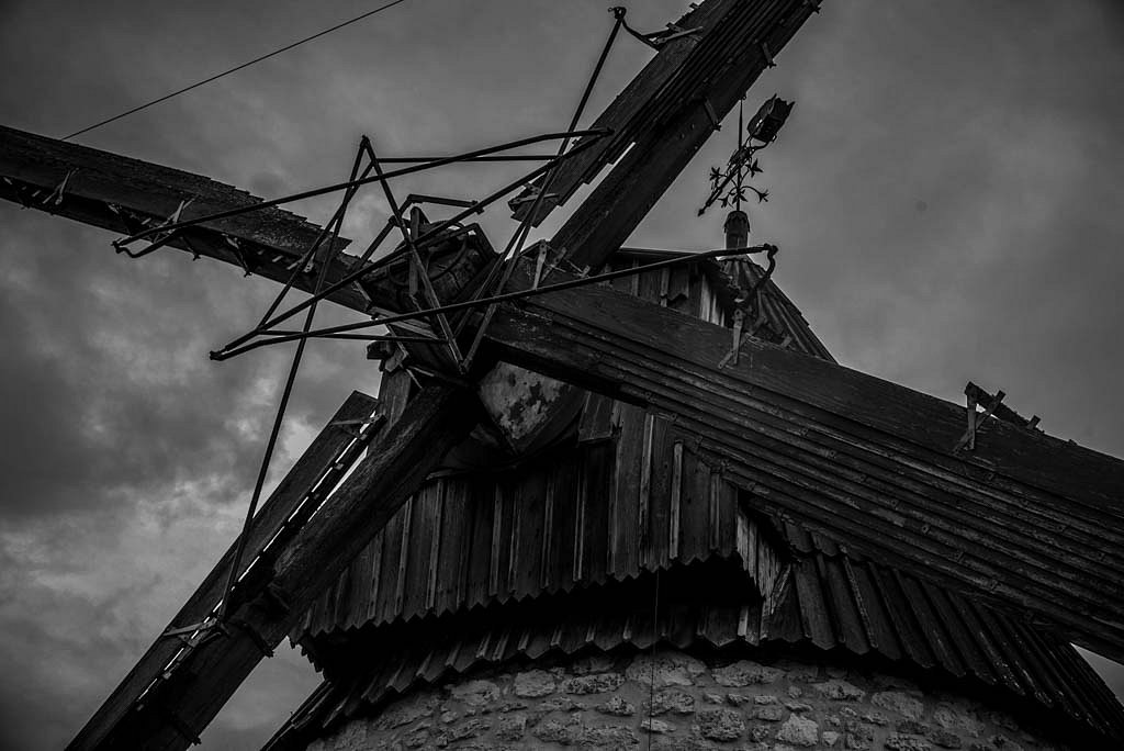 Au moulin avant l'orage