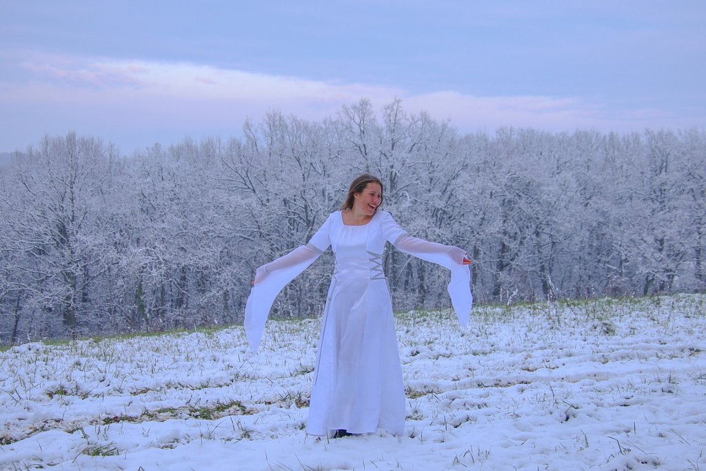 Une fée dans la neige